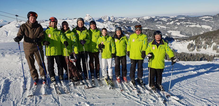Ski- und Snowboardkurs in Sattel-Hochstuckli