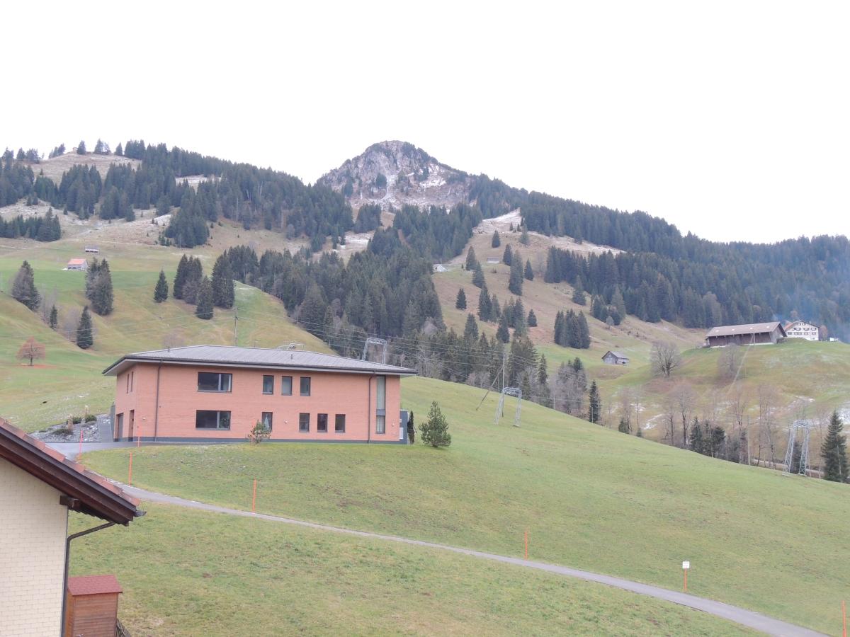Tschalun, Stolz - Oberiberg